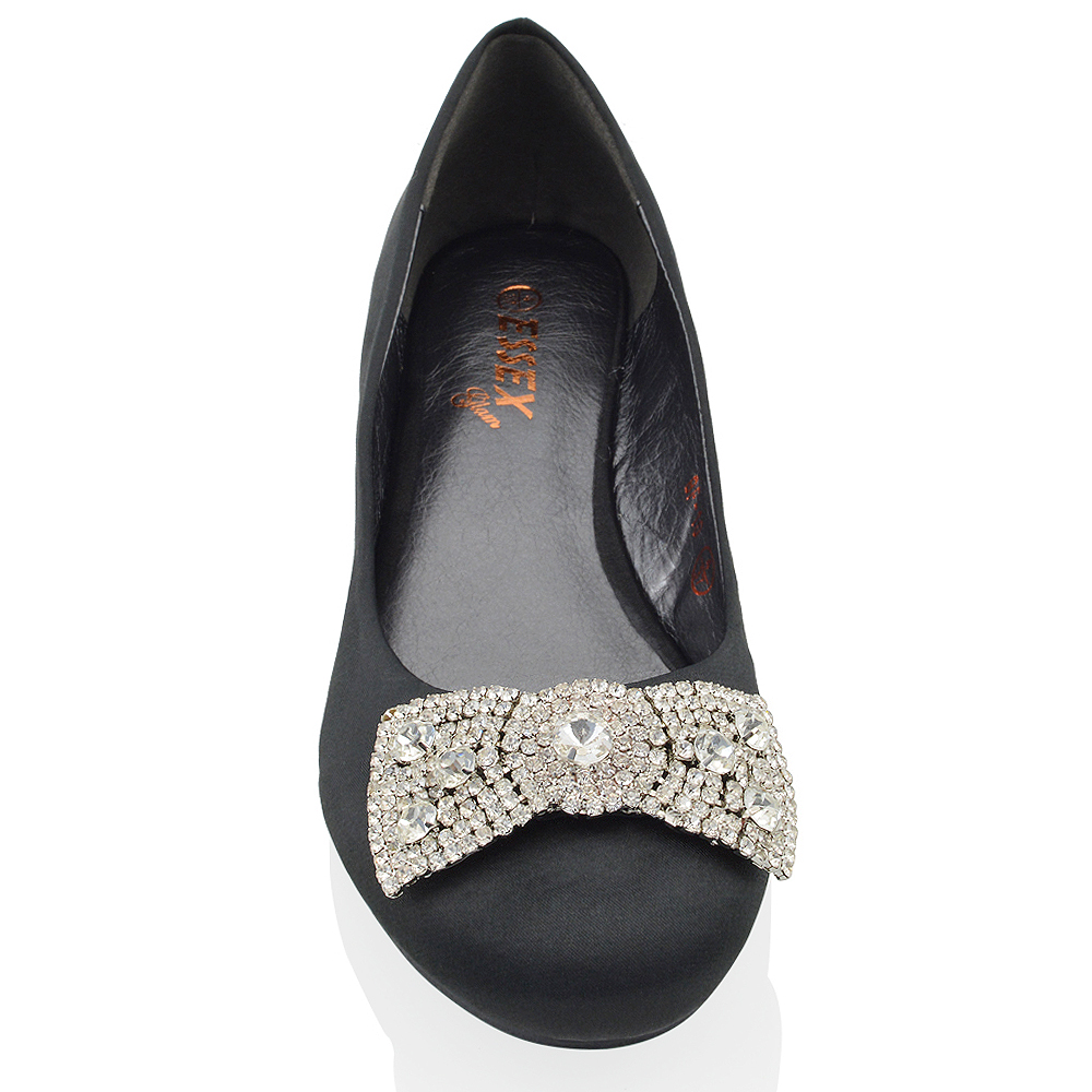 Flat Shoes With Brooch